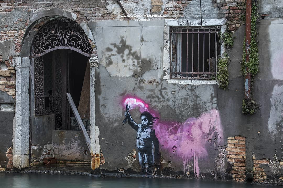 Migrant child di Banksy